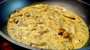 émincé de poulet à la crème et champignons de paris