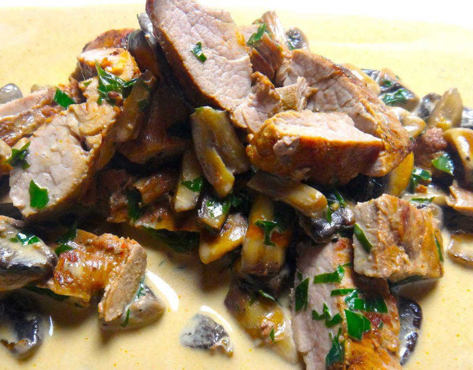 schweinepfanne mit champignons und cognacsauce